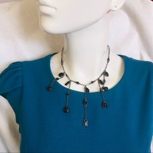 Necklace choker with onyx pendants